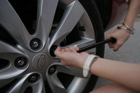 5 sai lầm mà người lái thường làm với chiếc xe của mình, thế giới lốp, lop xe, lốp xe ô tô, giá lốp, gia lop